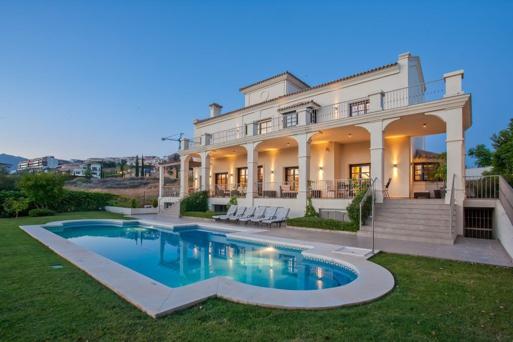Signs showing success in buying and selling properties in Marbella |