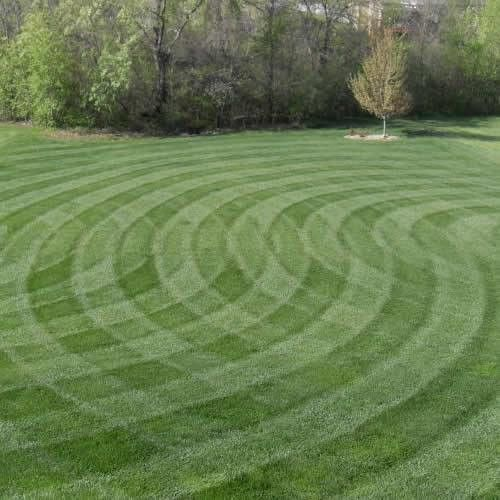 How Much Do I Charge for Lawn Mowing? - GreenSocks