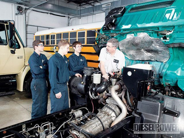Three Best Schools That Offer Diesel Mechanic Programs