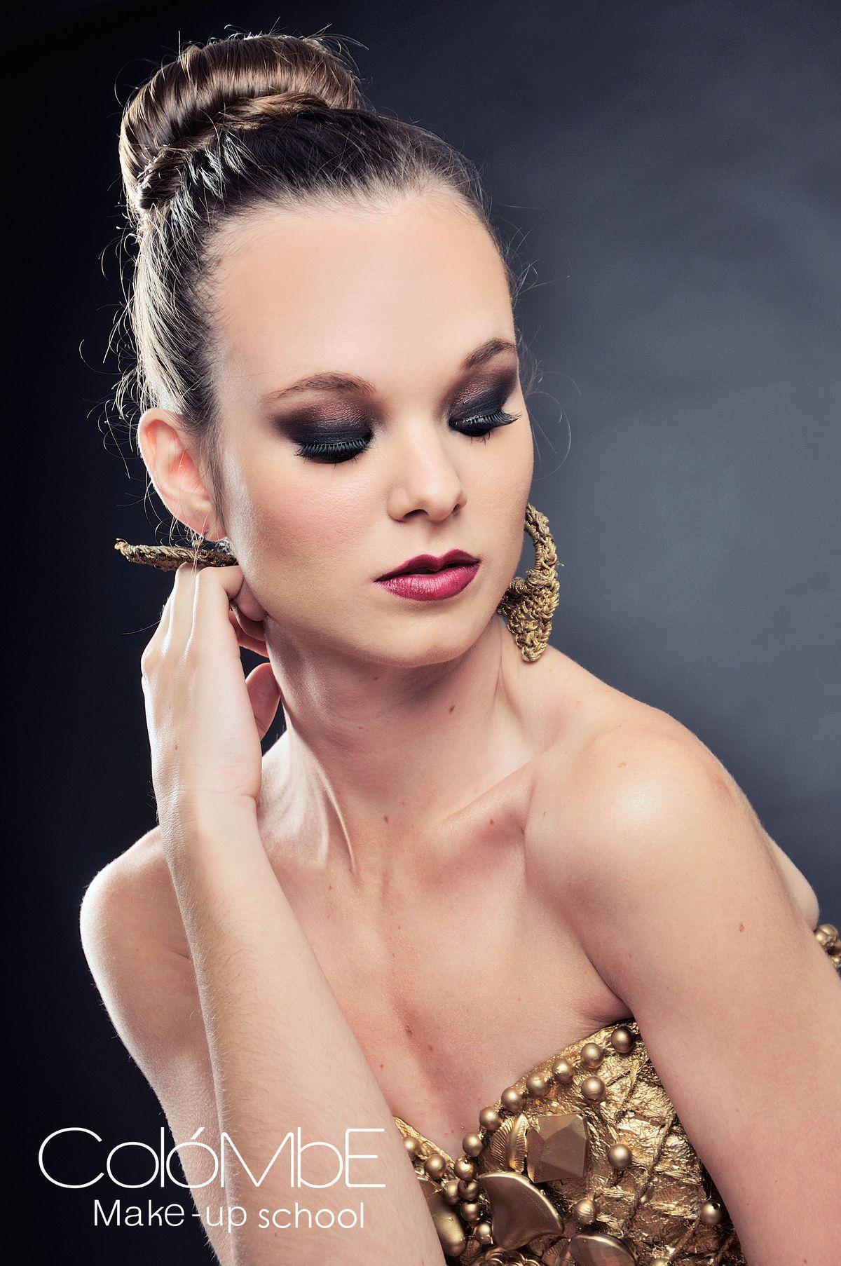 d09ab9875be2e43f2a3035b8450d855c - curso de maquillaje profesional mejores equipos