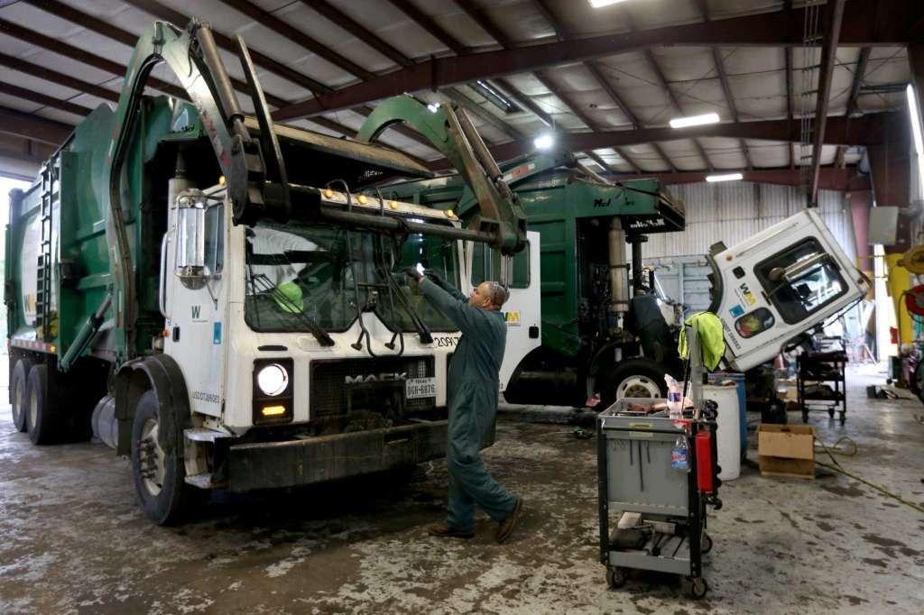 Waste Management overhauls its recruiting - Houston Chronicle