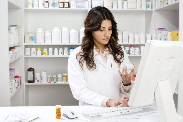 Pharmacist Vs. Pharmacy Technician - Woman