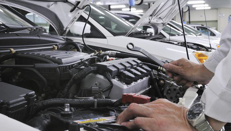 Work Conditions of an Auto Mechanic   Career Trend