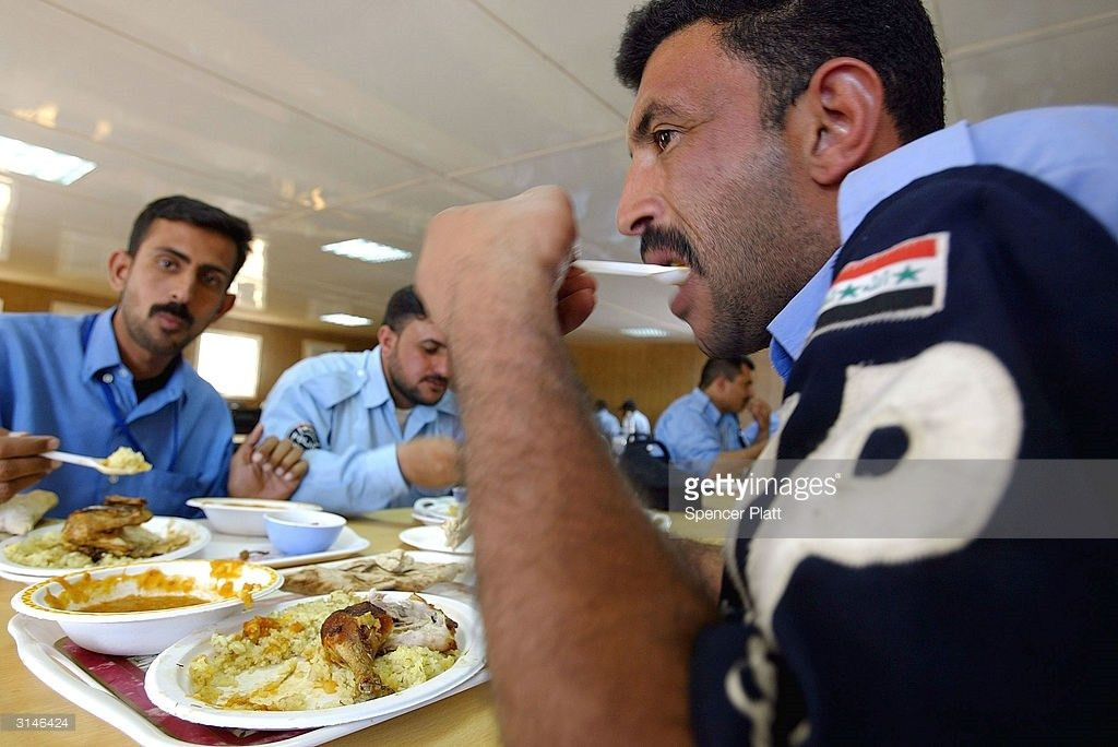 Iraqi Police Attend Class At British Army Base Photos and Images ...