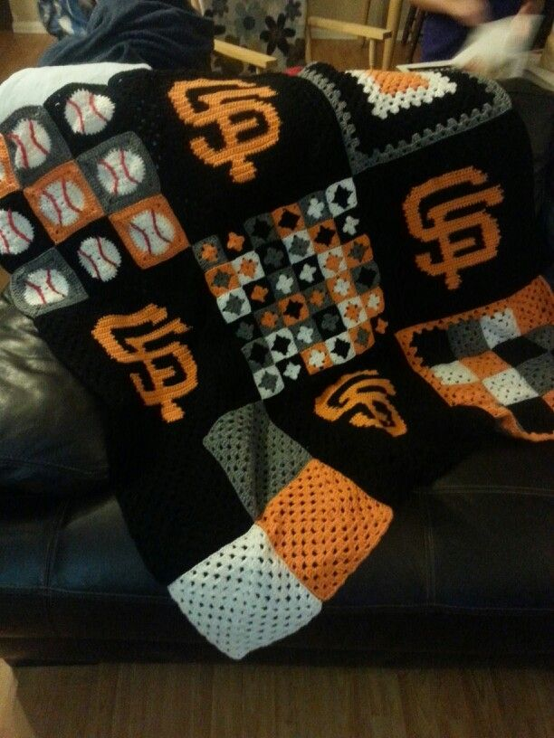 Ny Giants Crochet Afghan Pattern : Counted cross stitch patterns, New york giants and Counted ...