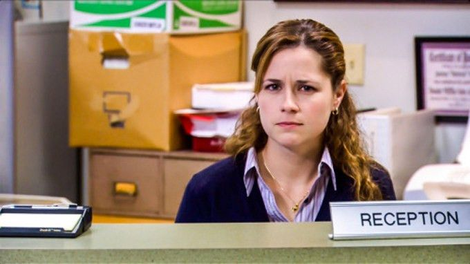 5 Types Of People Every Receptionist Encounters At The Front Desk ...
