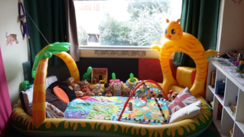Babysitter in private home | in Bristol | Gumtree