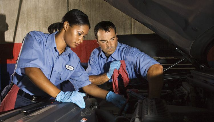 Job Description of a Trailer Mechanic | Career Trend