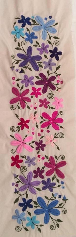 Oltre 1000 idee su manteles bordados a mano su pinterest - Manteles de mesa bordados ...