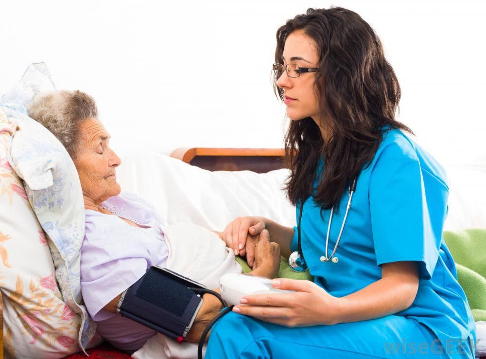 What does a Nursing Assistant do? (with pictures)