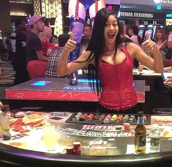 Casino Gaming School: Learn to deal Blackjack, Craps, Roulette ...