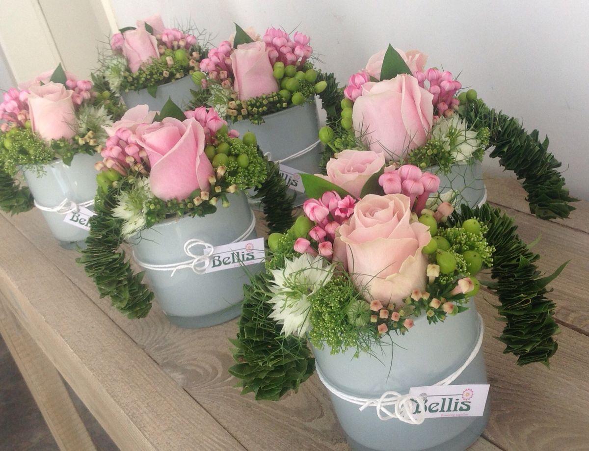Gepersonaliseerde fles verwerkt in bloemstuk crea met bloemen pinterest - Idee voor thuis ...