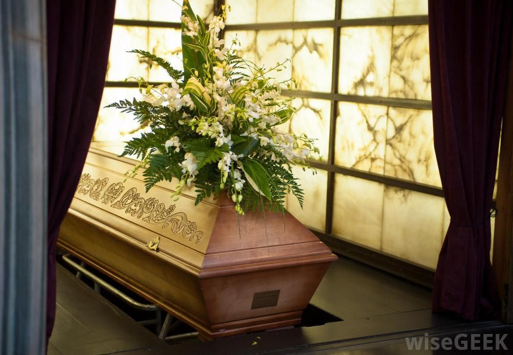 How do I Become a Mortician? (with pictures)