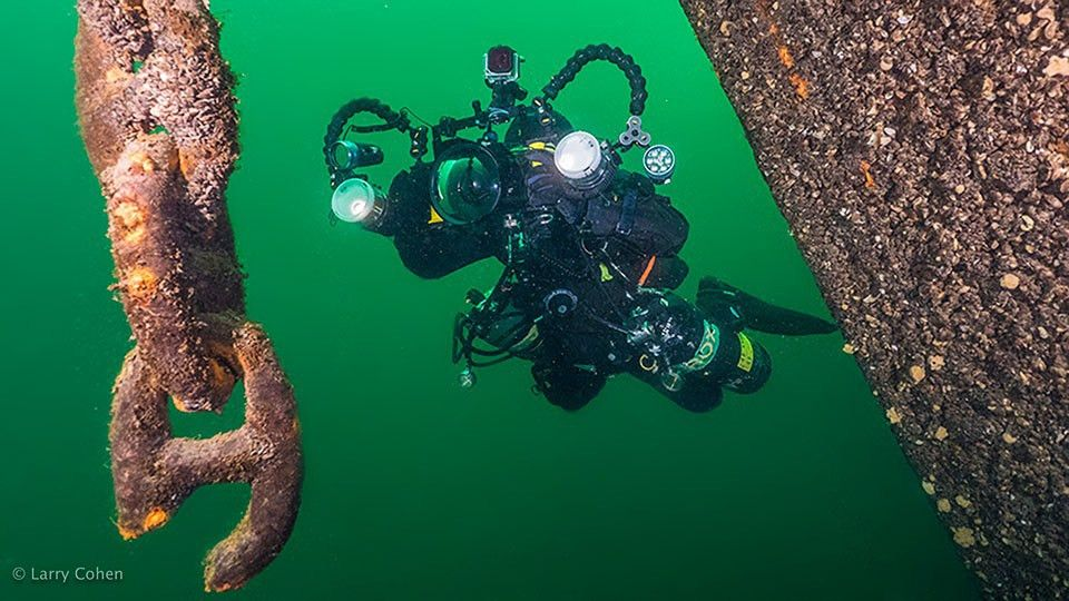 Lighting for Underwater Photography and Videography | B&H Explora