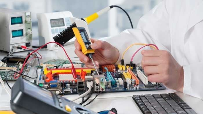 Electronic Drafter Job Description, Salary, and Education