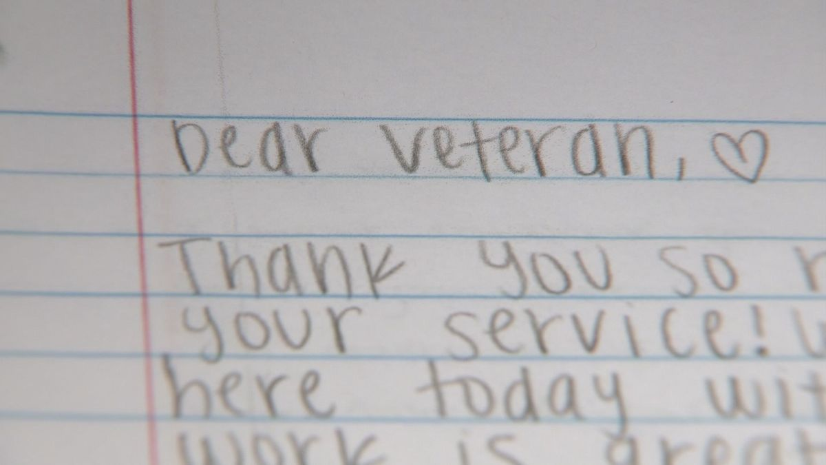 Pages of gratitude: Middle school student initiates 'Dear Veteran ...