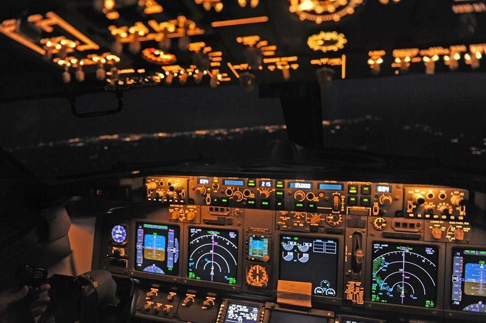 The Life Of A Boeing 737 First Officer | Pilotman.net