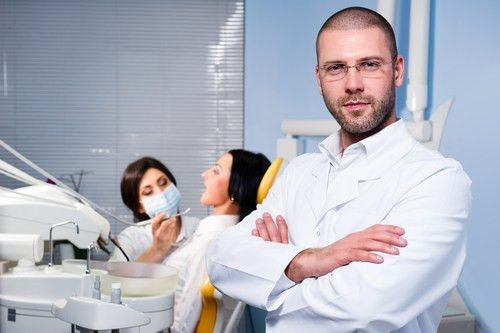 What Does A Dental Assistant Do? | PCI Health Blog