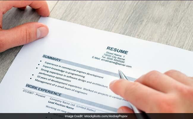 To Make Your Resume Stand Out: 5 Things To Include In Your Resume