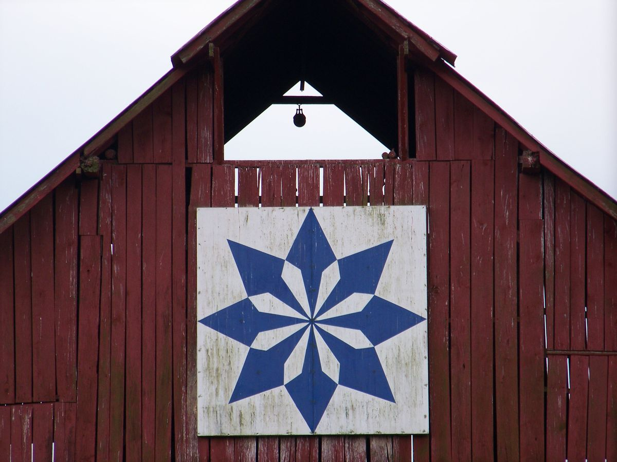 Quilt Patterns On Barns In Ky : 1000+ images about Barn Quilts on Pinterest