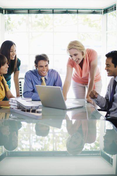 Project Manager Assistant Job Description - Woman