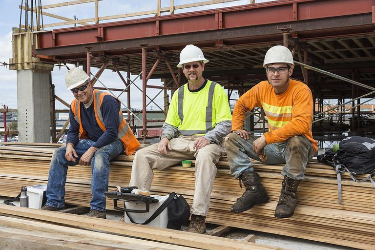 Construction Laborer Job Description and Salary Information