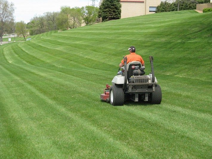 Lawn Care Delaware Ohio | Landscaping Delaware | Top Notch Lawn Care