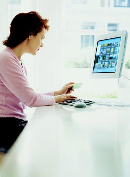 Job Description of a Program Analyst - Woman