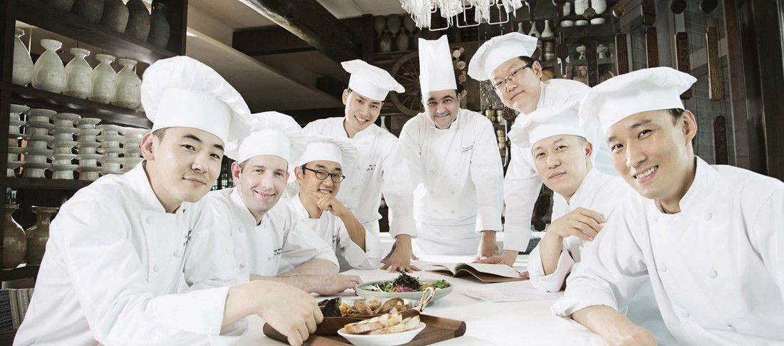 Hotel Restaurant Management | Hotel Restaurant manager Jobs ...