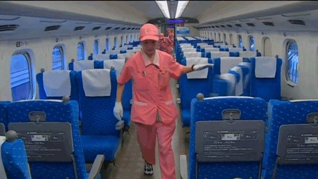 Japanese Bullet Train Cleaning Crew Will Blow Your Mind | TravelPulse
