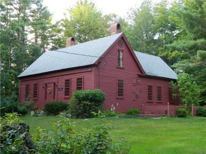 Homes On Pinterest Saltbox Houses New England And Early