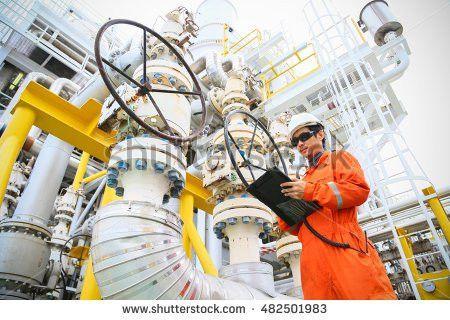 Operator Recording Operation Oil Gas Process Stock Photo 431676217 ...