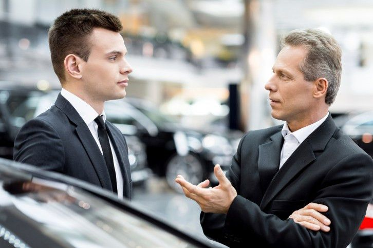 Should Managers Look For Experience When Hiring Auto Salespeople?