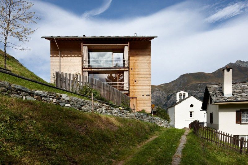 Wooden Houses Designed with Large Pictures Windows