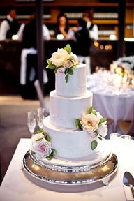 Wedding cake by Faye