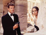 Roger Moore - James