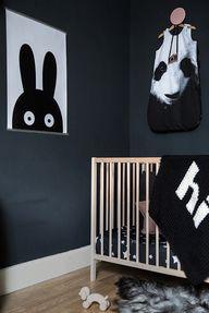 dark kids' room / la