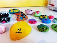 Paint pet rocks. Gre