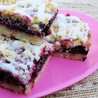 blackberry crumb bar