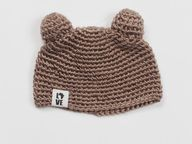 Adorable handknit te