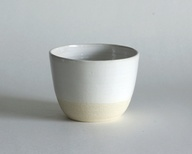 white pottery bowl o...