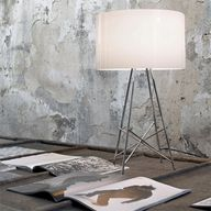 Ray T Table Lamp by