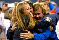 Kim hugs Judy Murray