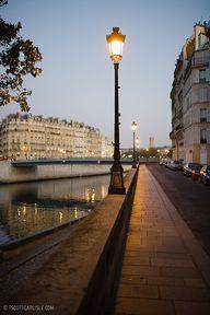 Paris au petit jour