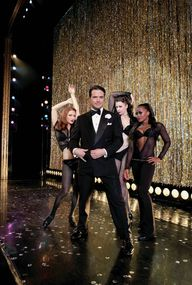 Matthew Settle as Billy Flynn (2010)
