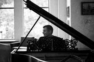 Amazing Music – Elij