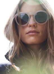 Just love these beige sunglasses / #summer #style #accessories