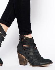 Hybrid Strapped Heel