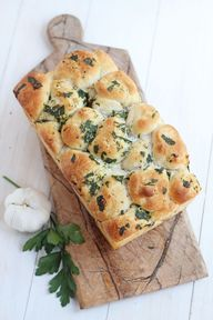 Pull Apart Garlic Br