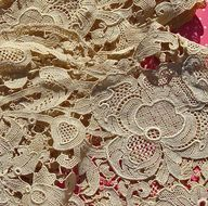 Lovely Vintage Ecru Lace....be still my heart!